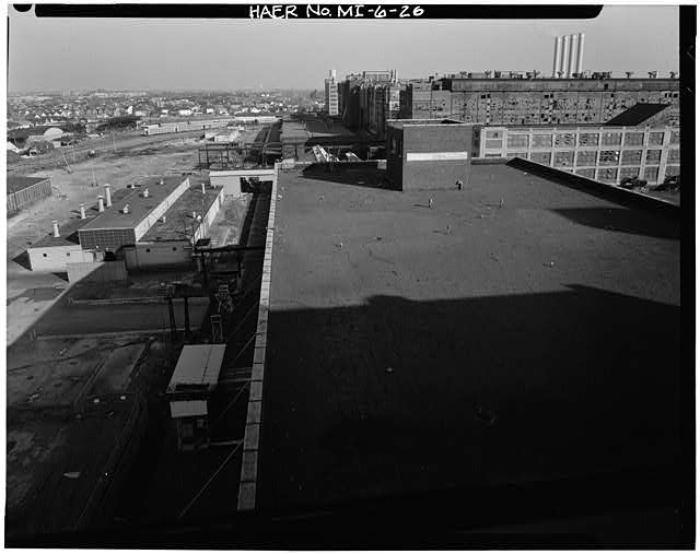 Dodge Hamtramck Factory ROOFTOP VIEW OF NORTH BOUNDARY FROM WAREHOUSE, 1980