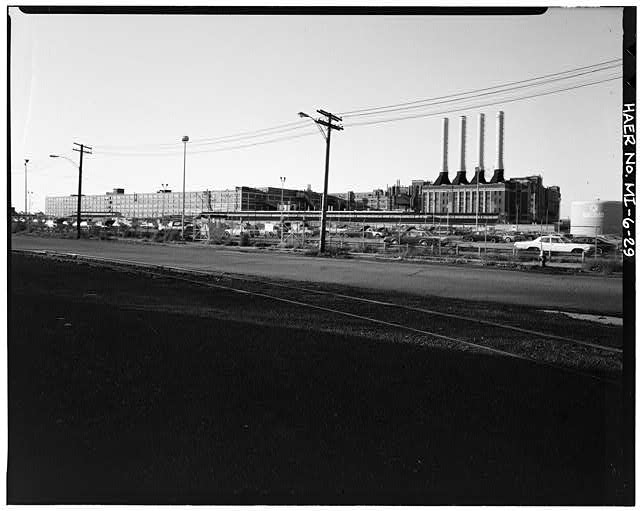 Dodge Hamtramck Plant PANORAMA OF SOUTH FACADE, 1980