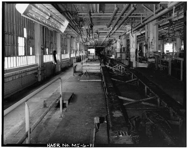 Dodge Hamtramck Plant ASSEMBLING BUILDING #1, FINAL ASSEMBLING LINE, SECOND FLOOR, 1980