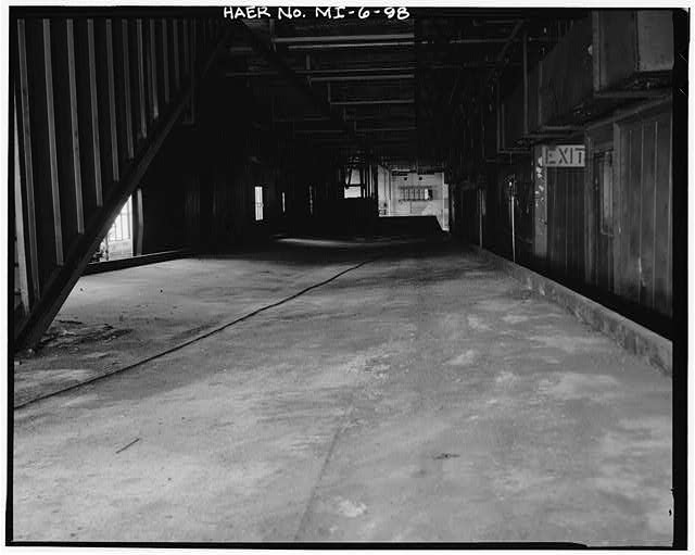 Dodge Hamtramck Plant BODY BUILDING, FIRST FLOOR, VIEW VIEW SOUTH WEST, 1980