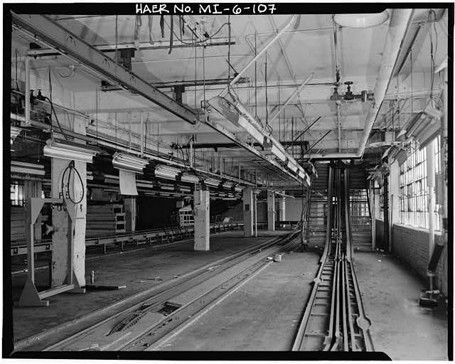 Dodge Hamtramck Plant BODY BUILDING, FOURTH FLOOR,VIEW EAST, 1980