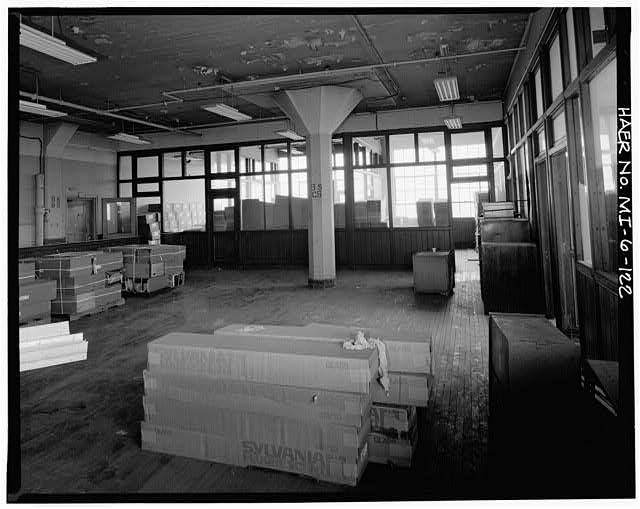 Dodge Hamtramck Plant CONSTRUCTION BUILDING, EIGHTH FLOOR OFFICES, VIEW NORTHWEST, 1980