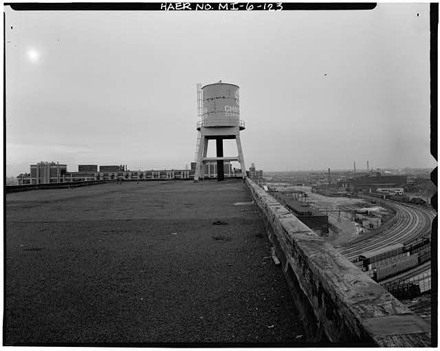 Dodge Hamtramck Plant CONSTRUCTION BUILDING, WATER TOWER ON ROOF, 1980