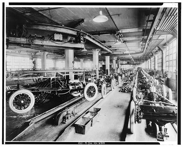 Dodge Hamtramck Plant Main MAIN BUILDING #1, SECOND FLOOR CHASSIS ASSEMBLY LINE, VIEW SOUTH,