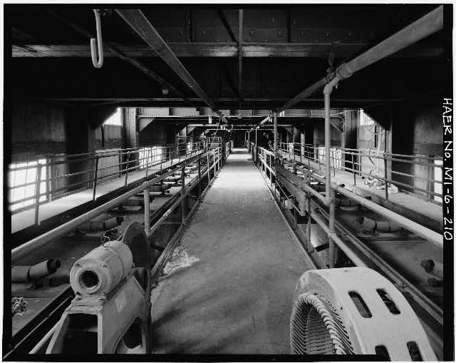 Dodge Hamtramck Plant POWER HOUSE, NINTH FLOOR, COAL CONVEYORS, VIEW SOUTHWEST, 1980