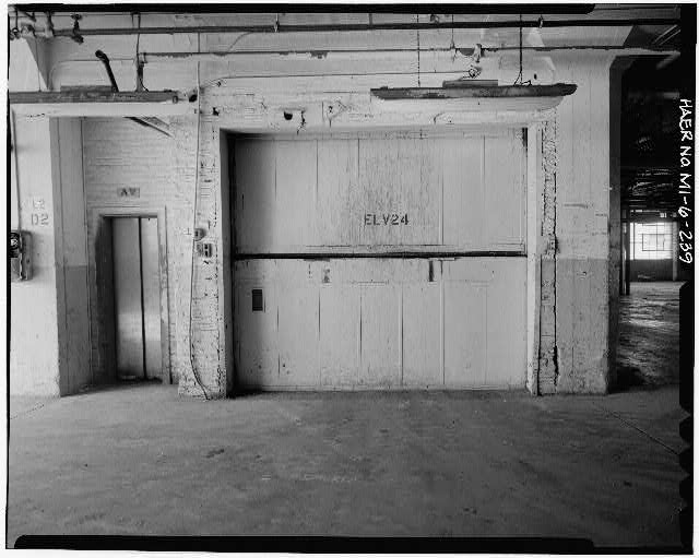 Dodge Hamtramck Plant WAREHOUSE BUILDING, SECOND FLOOR, TYPICAL ELEVATOR, VIEW NORTH 1980