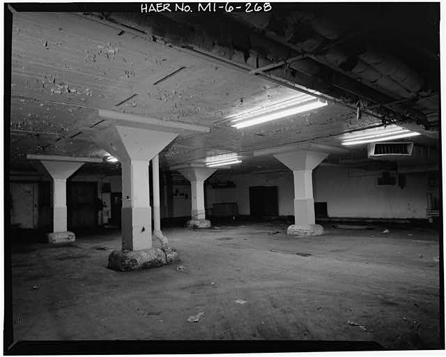 Dodge Hamtramck Plant TYPICAL PILLARS IN TUNNEL, 1980