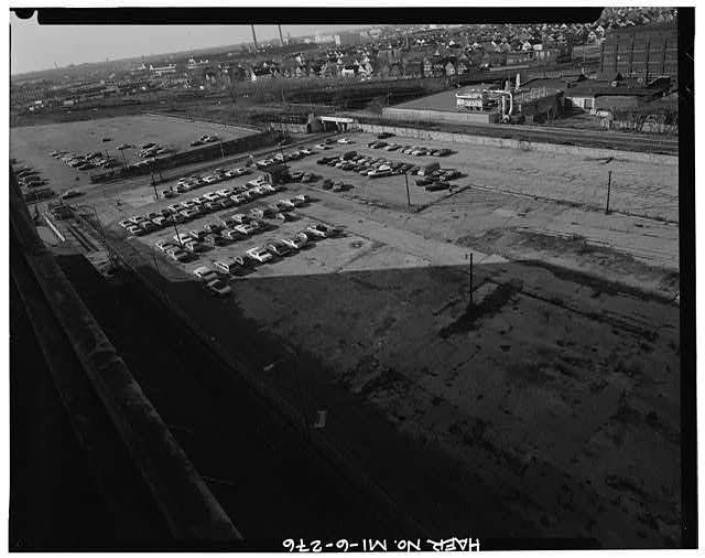 Dodge Hamtramck Plant HOURLY PARKING AND NORTH PARKING LOT, VIEW WEST, 1980