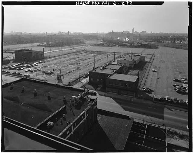 Dodge Hamtramck Plant PARKING LOTS WEST OF JOSEPH CAMPAU, VIEW WEST, 1980
