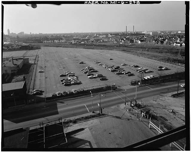 Dodge Hamtramck Plant HOURLY PARKING LOT, VIEW NORTHWEST, 1980